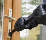 Cómo evitar que los okupas entren en tu casa este verano